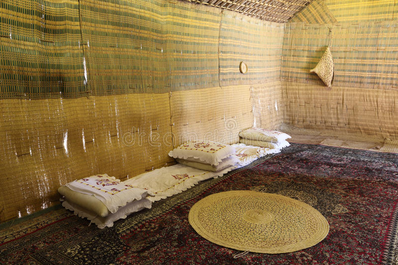 Interiore della tenda beduina fotografia stock libera da diritti