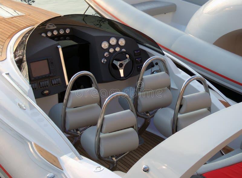Interiore di lusso del motoscafo immagine stock