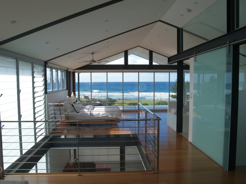 Interiore di lusso della camera da letto immagini stock libere da diritti