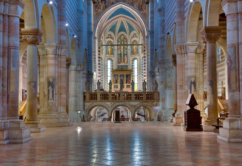 Interiore di San Zeno fotografie stock libere da diritti
