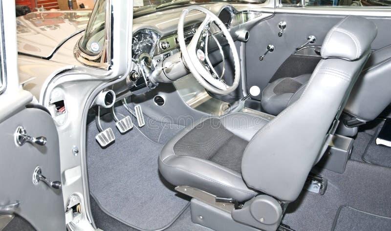 Interiore di un'automobile classica fotografia stock libera da diritti