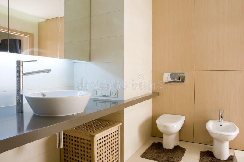 Interiore di una stanza da bagno fotografia stock libera da diritti