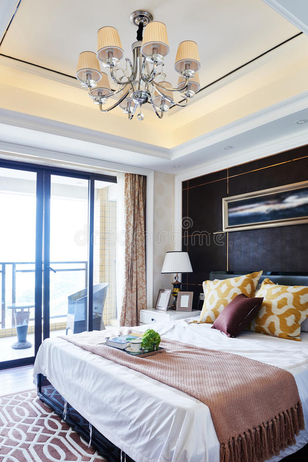 Interiore domestico di lusso della camera da letto fotografia stock