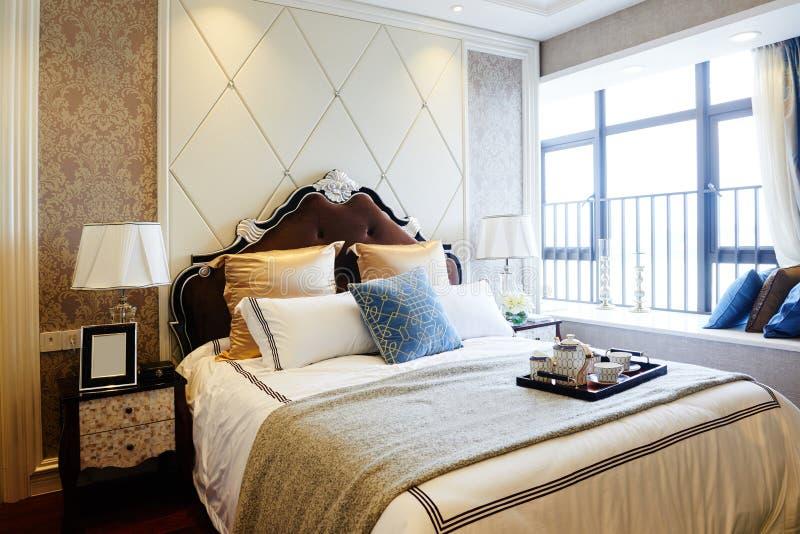 Interiore domestico di lusso della camera da letto immagine stock