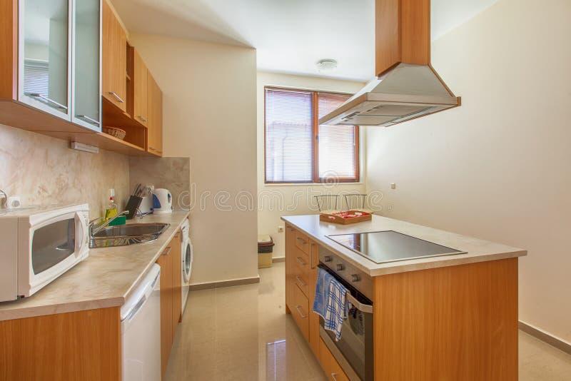Interiore moderno della cucina Fotografia interna fotografia stock libera da diritti