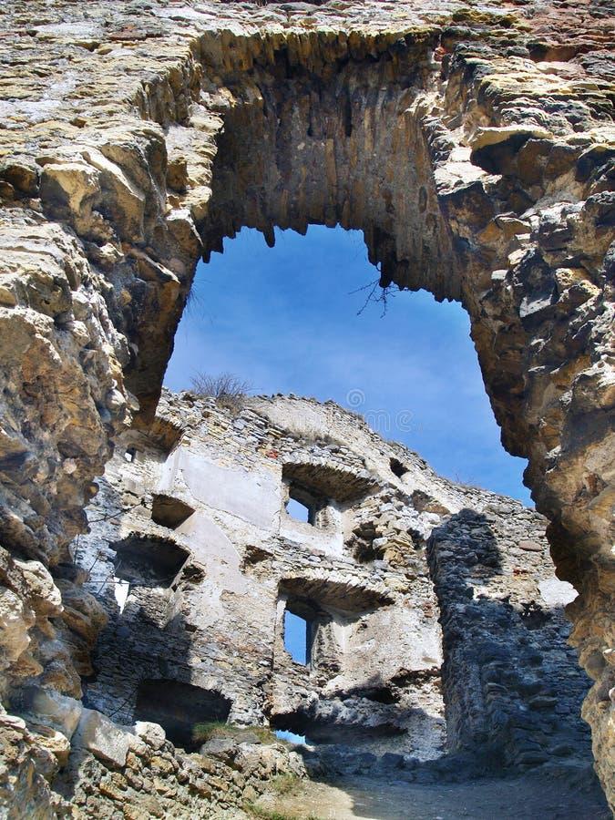 Interiore rovinato del castello di Likava, Slovacchia immagine stock libera da diritti