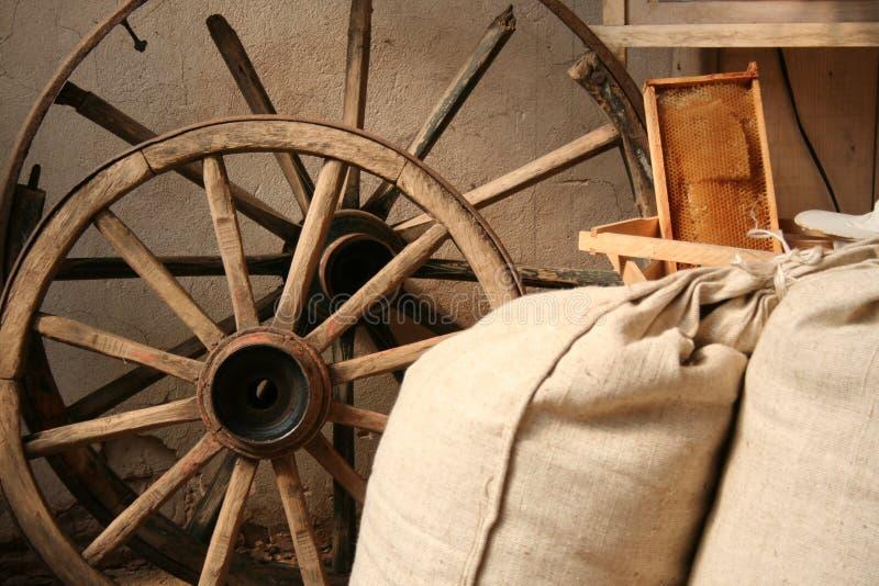 Interiore in vecchio laminatoio immagine stock libera da diritti