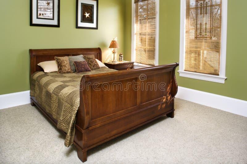 Interiore verde della camera da letto fotografie stock libere da diritti
