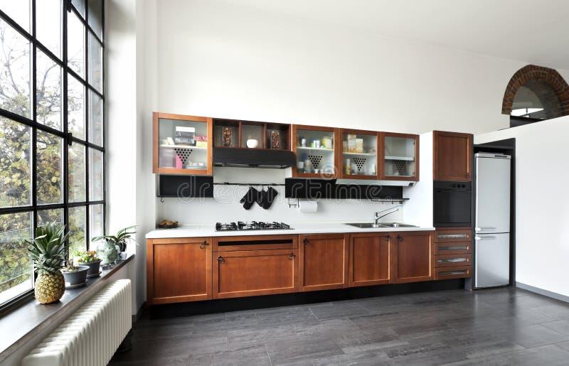 Interiore, vista della cucina immagine stock