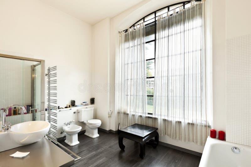 Interiore, vista della stanza da bagno fotografia stock libera da diritti