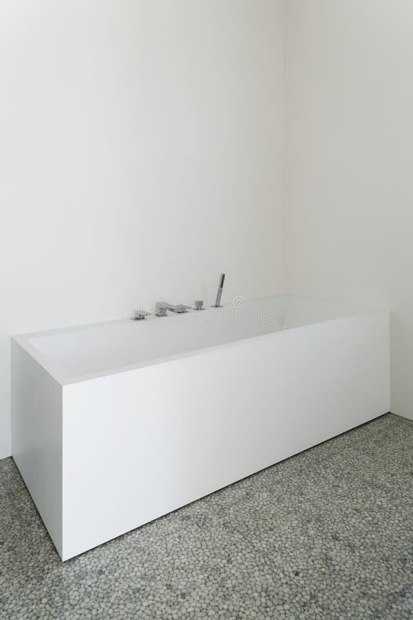 Interiores, bañera imagen de archivo libre de regalías
