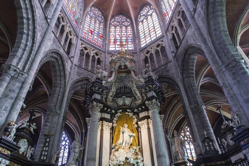 Interiores da catedral de Bavon de Saint, Ghent, Bélgica imagem de stock