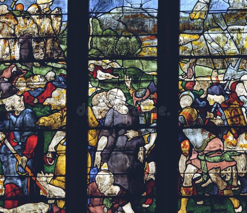 Interiores da catedral de Lichfield - vitral na senhora Chapel foto de stock royalty free