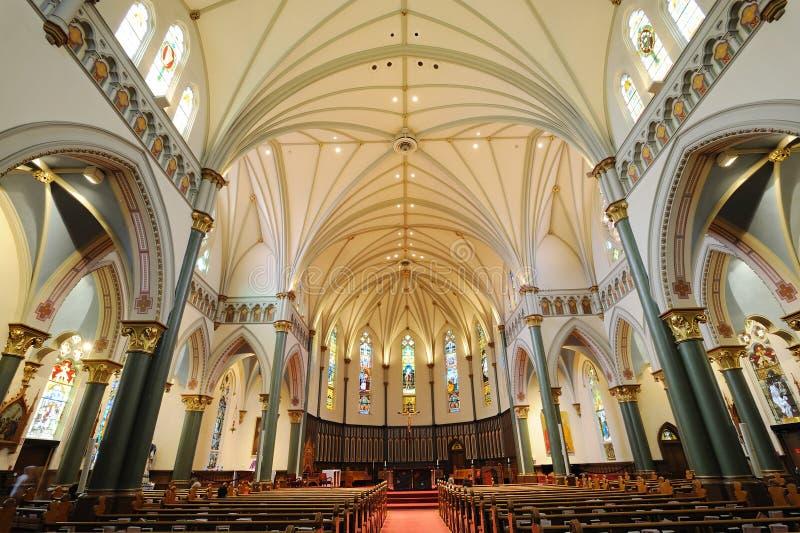 Interiores da igreja imagem de stock