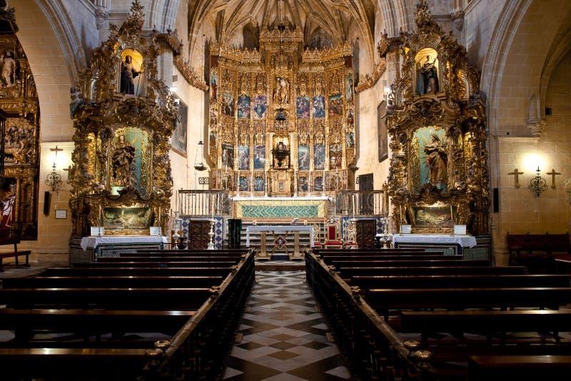 Interiores da igreja de San Pedro fotos de stock