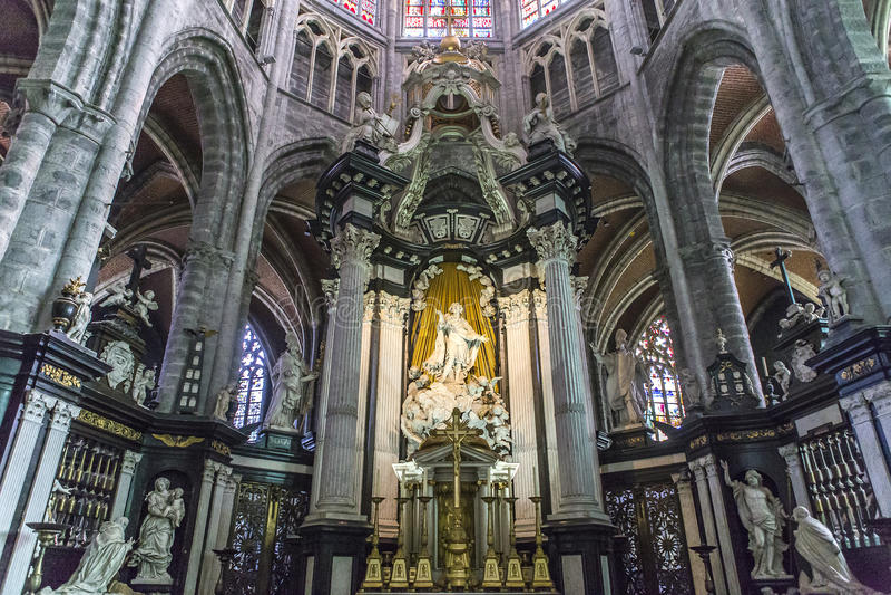 Interiores de la catedral de Bavon del santo, Gante, Bélgica fotos de archivo