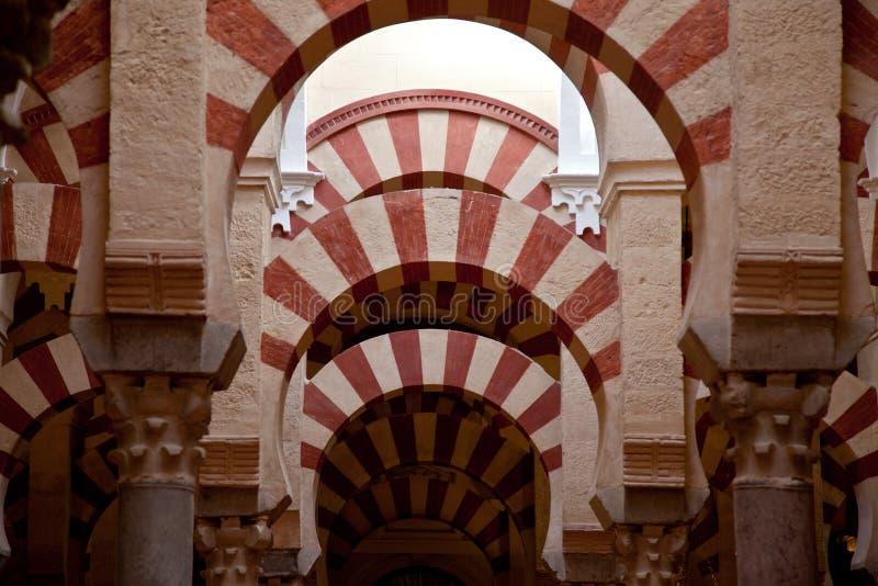 Interiores de la mezquita de Córdoba imágenes de archivo libres de regalías