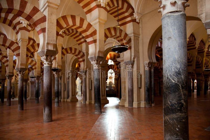Interiores de la mezquita de Córdoba fotografía de archivo