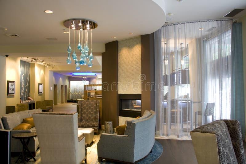 Interiores de la sala de estar del pasillo del hotel de lujo foto de archivo libre de regalías