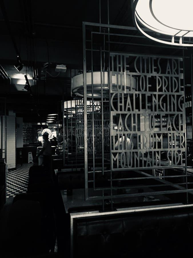 Interiores de PizzaExpress, Colaba la India, Rudyard Kipling fotografía de archivo libre de regalías
