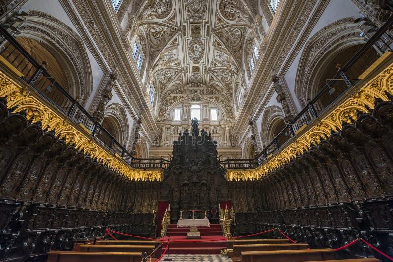 Interiores do Mezquita em Córdova foto de stock royalty free