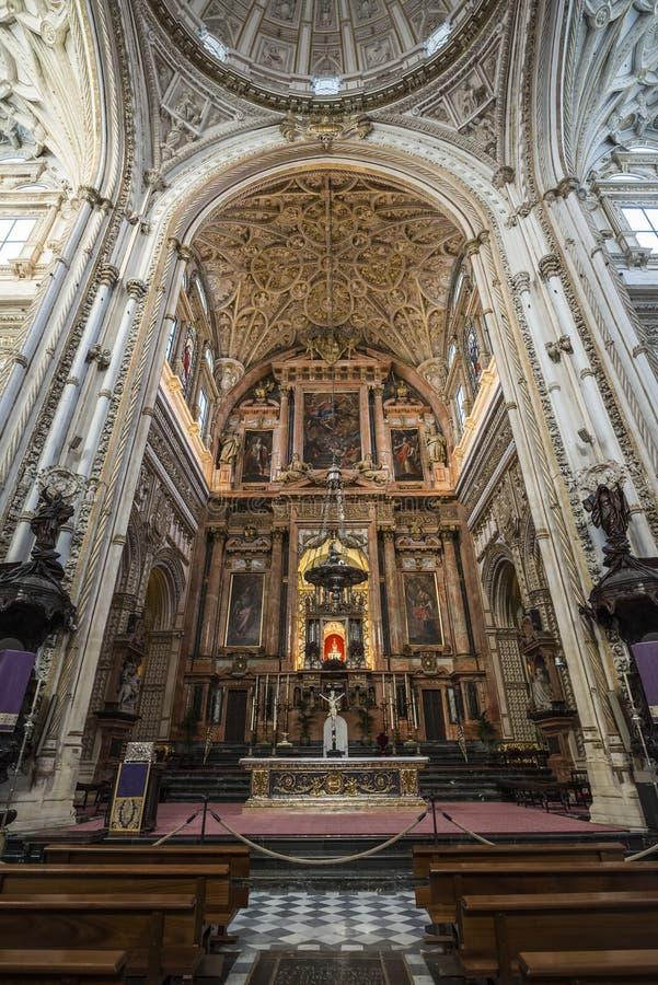 Interiores do Mezquita em Córdova fotografia de stock