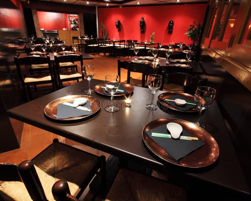 Interiores do restaurante fotografia de stock royalty free