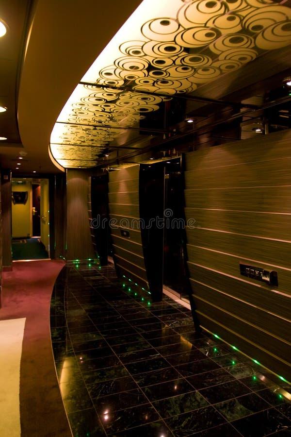 Interiores e descanso magníficos no cruzeiro o navio fotografia de stock royalty free