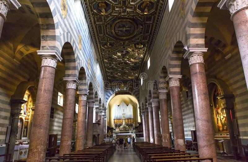 Interiores e detalhes de catedral de Volterra, Volterra, Itália imagem de stock
