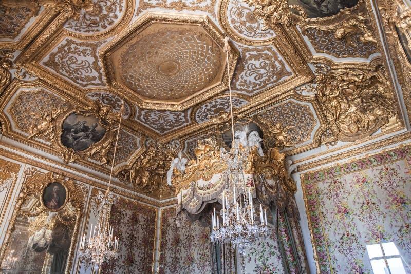 Interiores e detalhes do castelo de Versalhes, França foto de stock