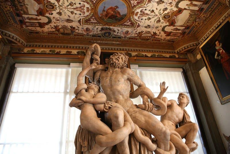 Interiores e detalhes do Uffizi, Florença, Itália foto de stock