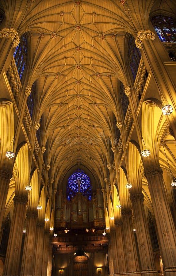 Interiores New York City da catedral do St. Patrick foto de stock royalty free