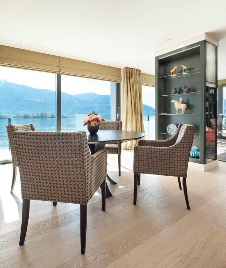 Interiores, sala de jantar elegante imagens de stock royalty free
