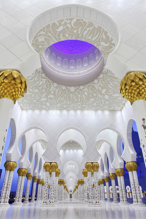 Free Interiors Of Sheikh Zayed Mosque, Abu Dhabi Stock Photos - 17472203