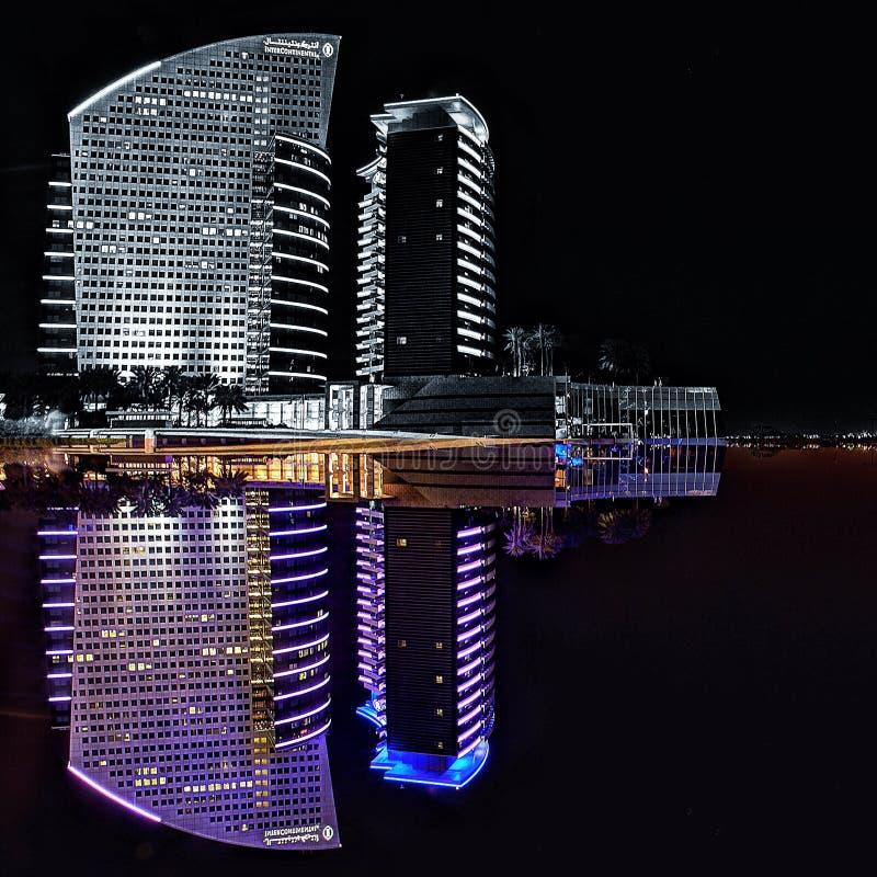 Interkontinentalhotel-Dubai-Reflexion Dubai-Farbe lizenzfreies stockfoto