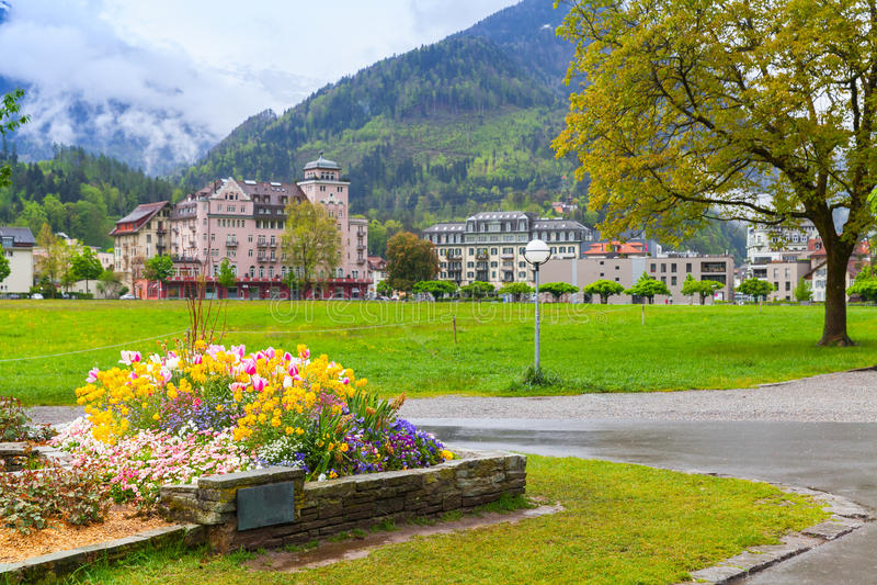 interlaken switzerland Schweizare landskap royaltyfri bild