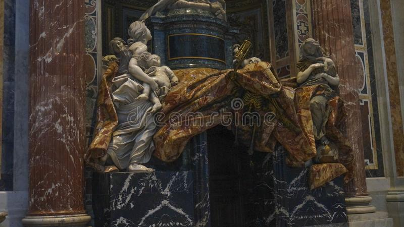 Intern von St- Peter` s Basilika, Rom Italien lizenzfreie stockfotografie