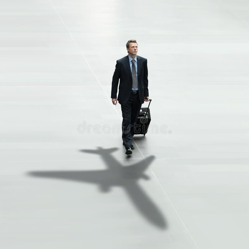 Internationaal de luchthavenconcept van de bedrijfsmensenreis royalty-vrije stock foto's