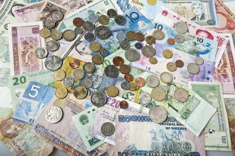 Download Internationaal geld stock afbeelding. Afbeelding bestaande uit goud - 29513717