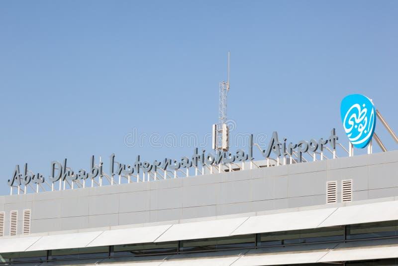 international för abuflygplatsdhabi arkivbild
