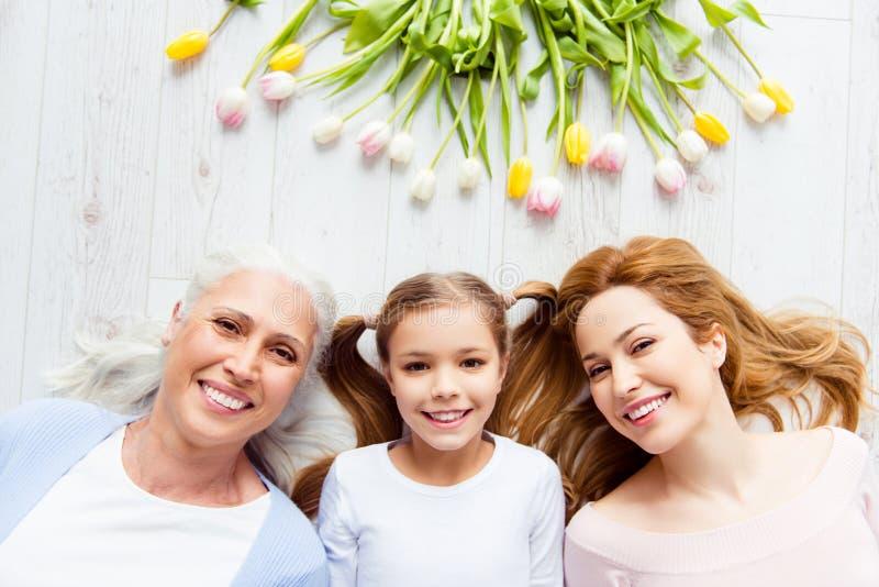International för skönhet för mode för föräldraskapmoderskapmoderskap tre arkivbilder