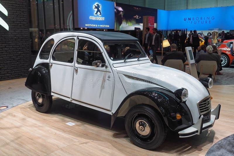Internationale de Motorshow van 89ste Genève - Citroën 2CV royalty-vrije stock foto