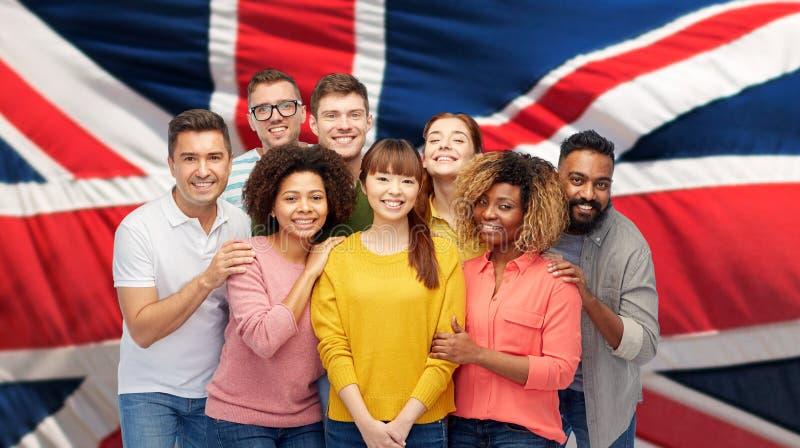 Internationale groep gelukkige glimlachende mensen royalty-vrije stock fotografie