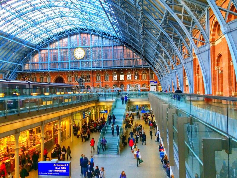 Internationaler Bahnhof Eurostars St Pancras stockbilder
