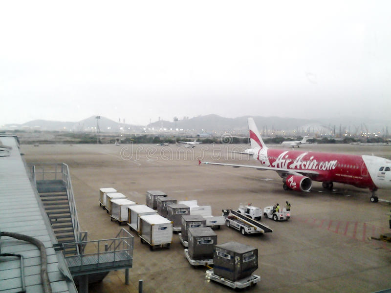 Internationaler Flughafen Macaos, nebelig, kalt, Winter lizenzfreie stockfotografie