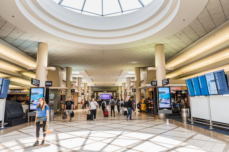 Internationaler Flughafen-Zusammentreffen-Innenraum Honolulus stockbilder