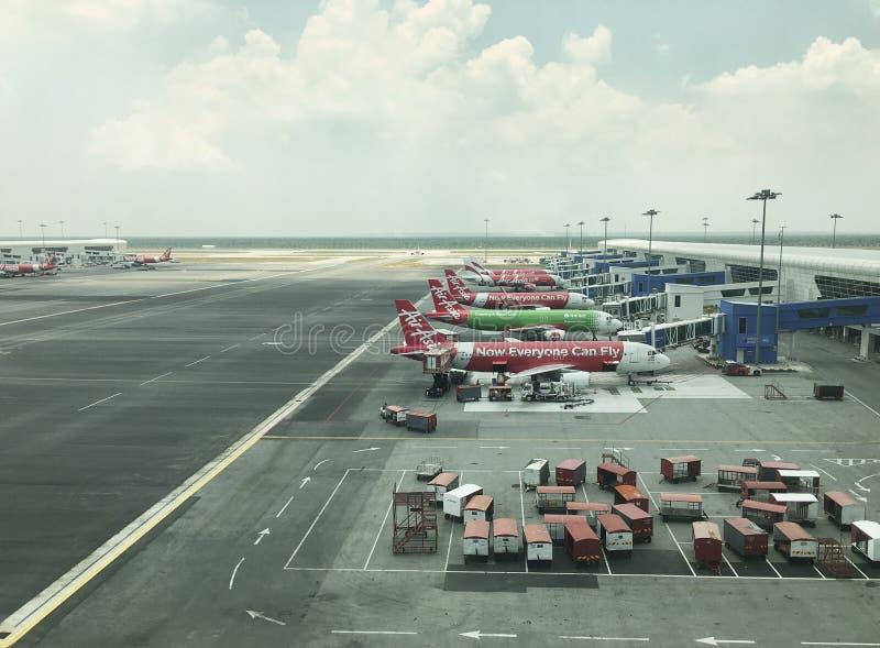Internationell flygplats f?r KLIA 2, Kuala Lumpur, Malaysia royaltyfri bild