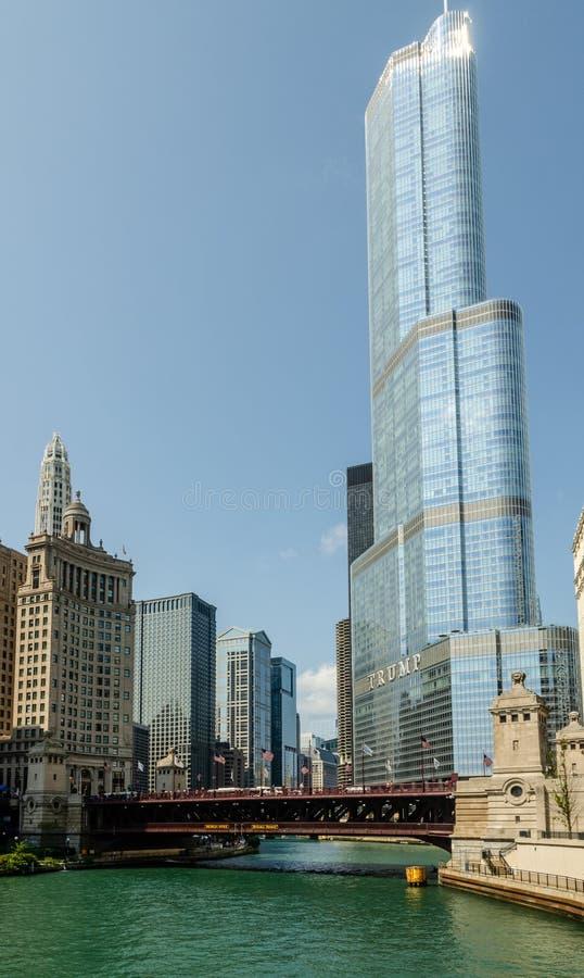 Internationellt hotell för trumf & torn, Chicago arkivbilder