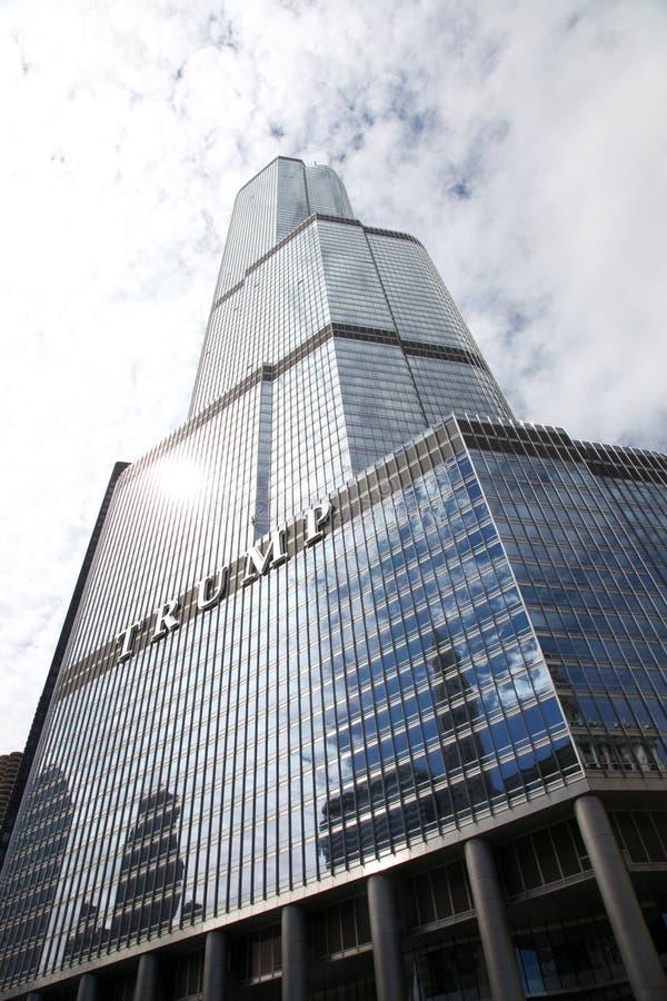 Internationellt hotell & torn Chicago för trumf arkivbilder