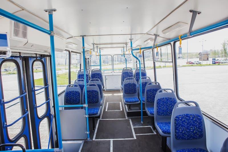 Interne mening van een lege bus stock afbeeldingen